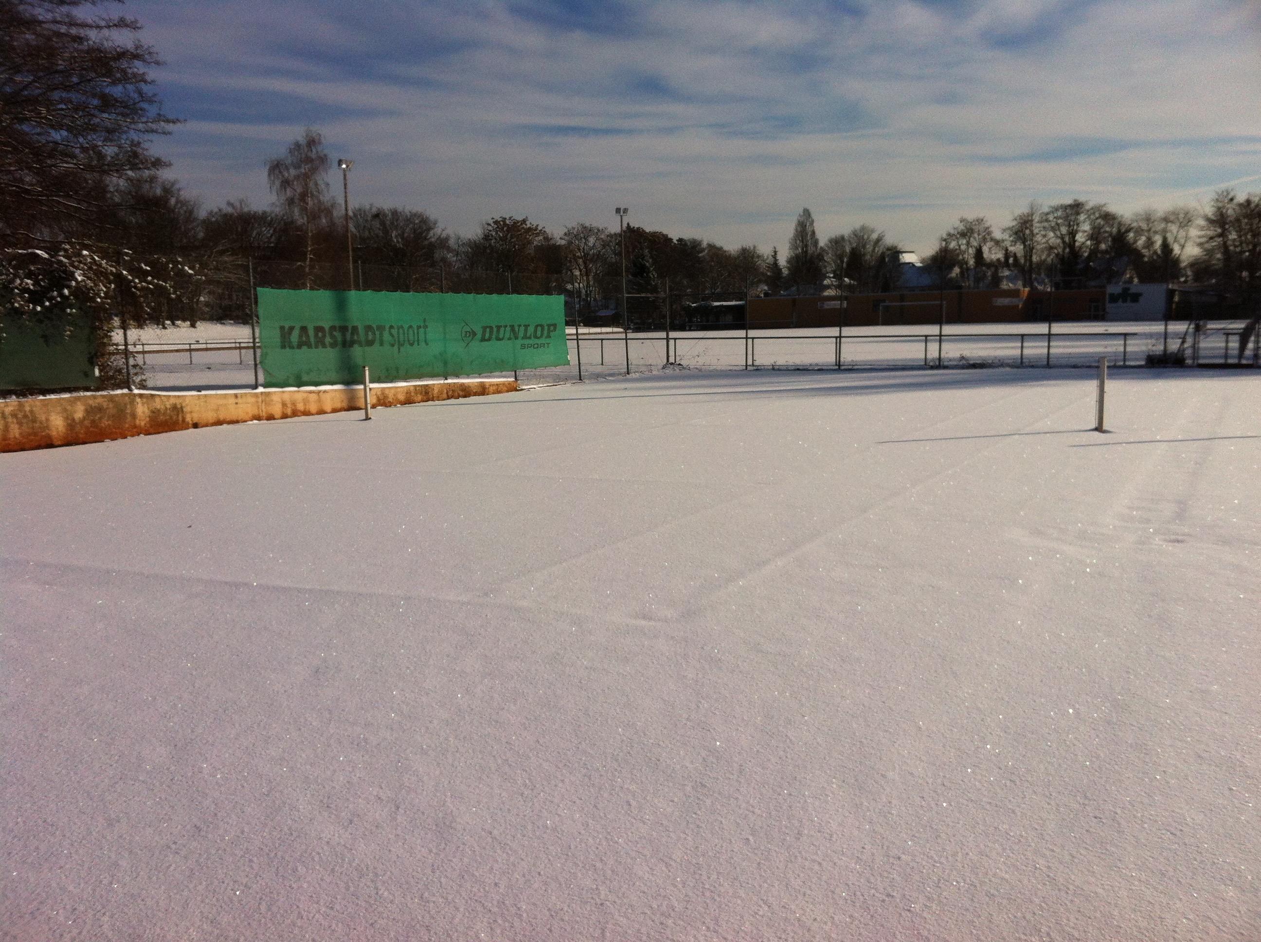 Tennisanlage im Winter 3